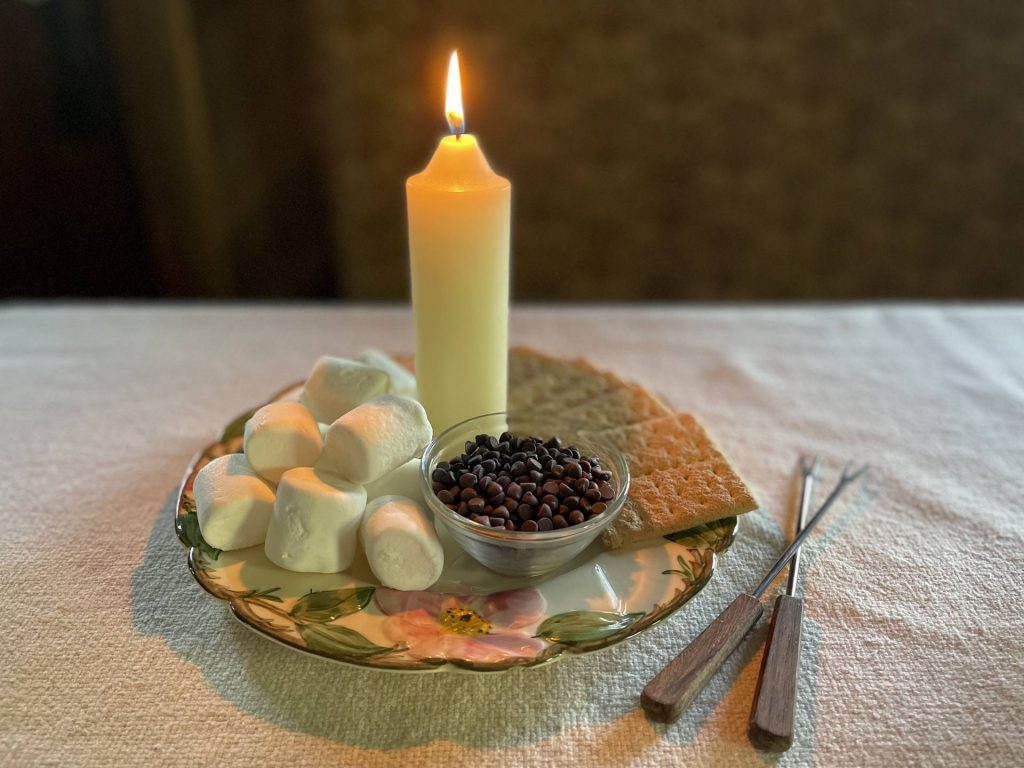 candlelight s'mores